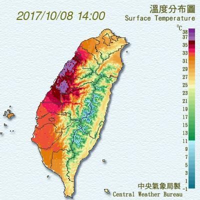 台中至新竹之間產生焚風現象,據氣象局的溫度觀測顯示,新竹、苗栗、台中一帶呈現「紫爆」狀態。(中央氣象局)