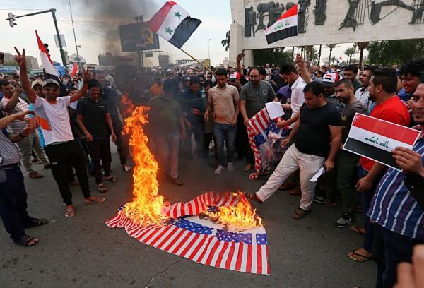 英美法聯合空襲敘利亞,民眾反美情緒高漲。(美聯社)