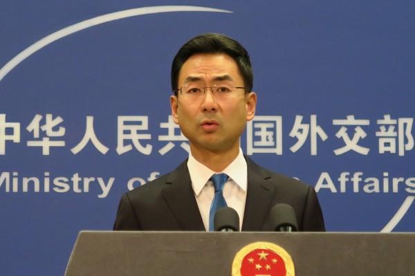 對於打壓我國代表團參與聯合國氣候變化綱要公約(UNFCCC),中國外交部發言人耿灀今(13)日重申,台灣參與APEC相關活動必須符合「一中」原則和「APEC有關諒解備忘錄的規定」。(中央社)