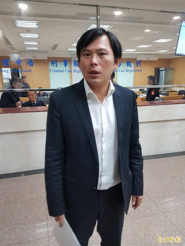 控李瑞倉幫慶富喬貸款圖利,黃國昌赴北檢告發。(記者謝君臨攝)