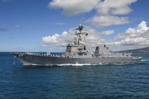 美軍驅逐艦查飛號(USS Chafee),10日在西沙群島附近島礁和淺灘航行。(資料照,路透)