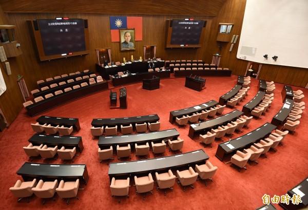 公督盟昨天公佈立法委員評選結果,總共選出29位優秀立委,與2位待觀察立委。(資料照,記者廖振輝攝)