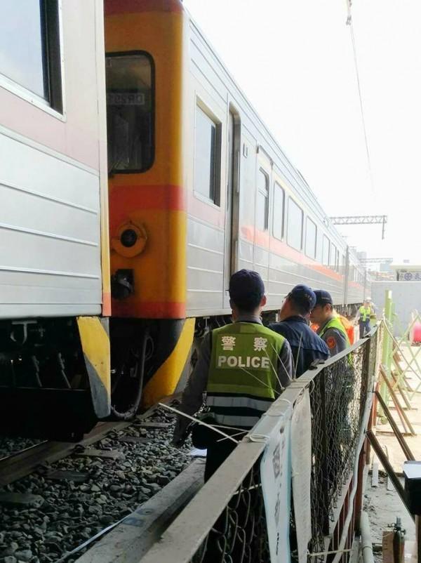 台鐵由台東開往高雄的一列自強號火車驚傳撞上路人。(圖擷取fun臺鐵臉書)