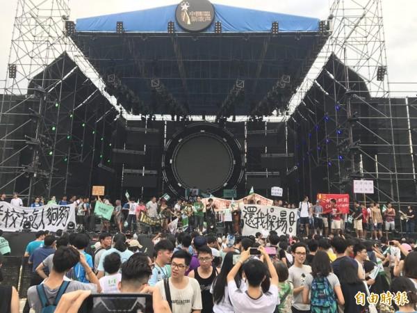 學者王信賢認為,中共19大後將繞過台灣政府,對青年基層落實統戰政策。(資料照,記者周彥妤攝)
