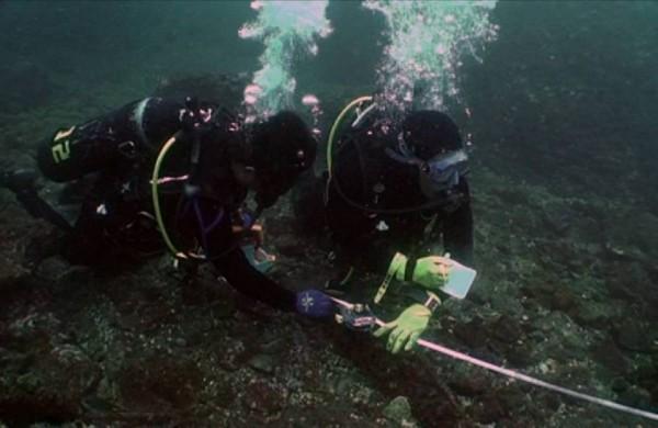 中研院水下考古隊和中山大學團隊截至105年止,已經探測發現逾百筆沉船遺跡。(翻攝自中研院「研之有物」)
