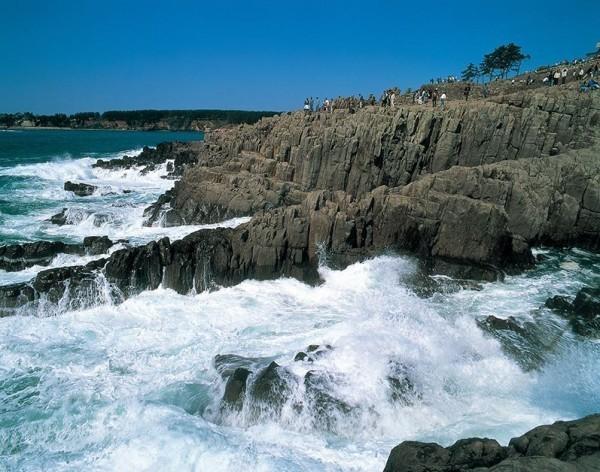 壁纸 风景 旅游 瀑布 山水 桌面 600_472