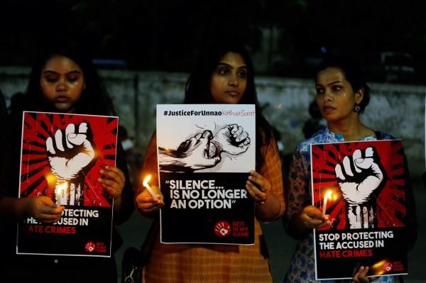 前湯森路透基金會日前公布全世界對女性最危險國家排行榜,印度名列首位,引起印度政府的不滿,批評這份報告採樣不足讓數據失真,不但詆毀印度的聲譽,還抹煞了當局對改善「女性安全」所做出的努力。(美聯社)