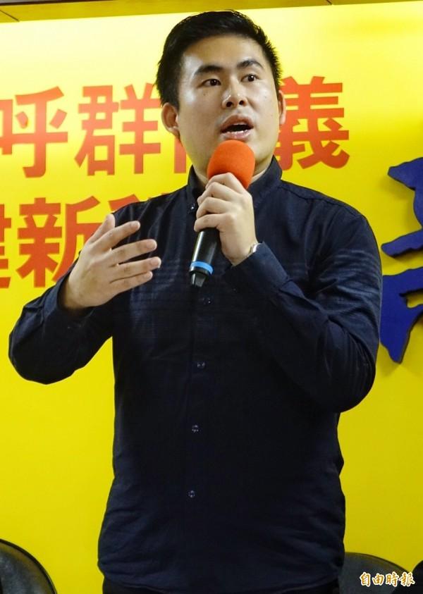 新黨青年軍王炳忠2日回應北檢偵辦中生共諜周泓旭涉犯「國家安全法」案新聞稿 。(資料照,記者張嘉明攝)