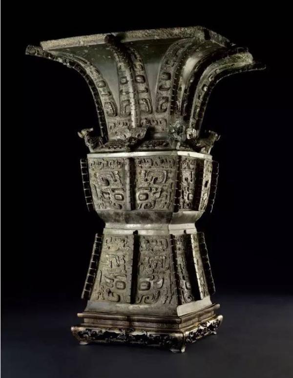 青銅饕餮紋方尊。(取自《金羊網》)