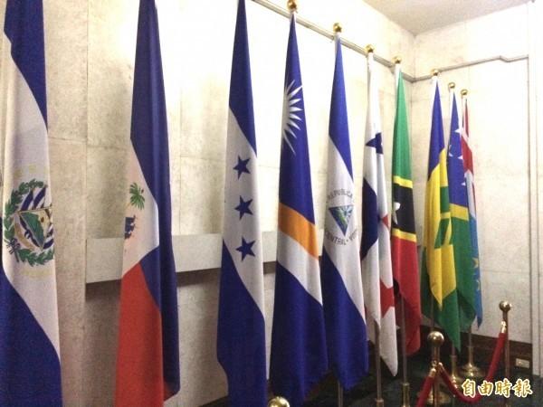 外交部去年六月時公開指稱中國強迫我駐外5個館處改名,尤其針對使用我國國號「中華民國」與「台灣」得外館進行打壓,包括奈及利亞、杜拜、約旦、厄瓜多與巴林。(資料照)