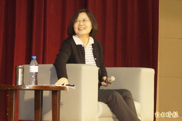 民進黨主席蔡英文到新北市臺北大學演講。(記者張安蕎攝)