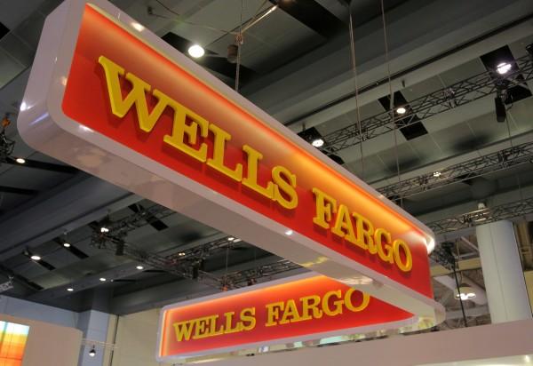 富國銀行深陷多項醜聞,外傳可能被開高達10億美元的罰單。(資料照,路透)