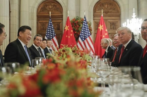 中國領導人習近平與美國總統川普在阿根廷進行會談。(美聯社)