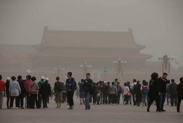 有中生來到台灣讀書後,覺得中國比台灣還自由。圖為中國天安門廣場。(路透)