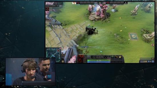 Dota 2職業玩家Dendi,與AI機器人OpenAI進行1對1表演賽,結果Dendi被OpenAI所擊敗。(圖擷取自YouTube)