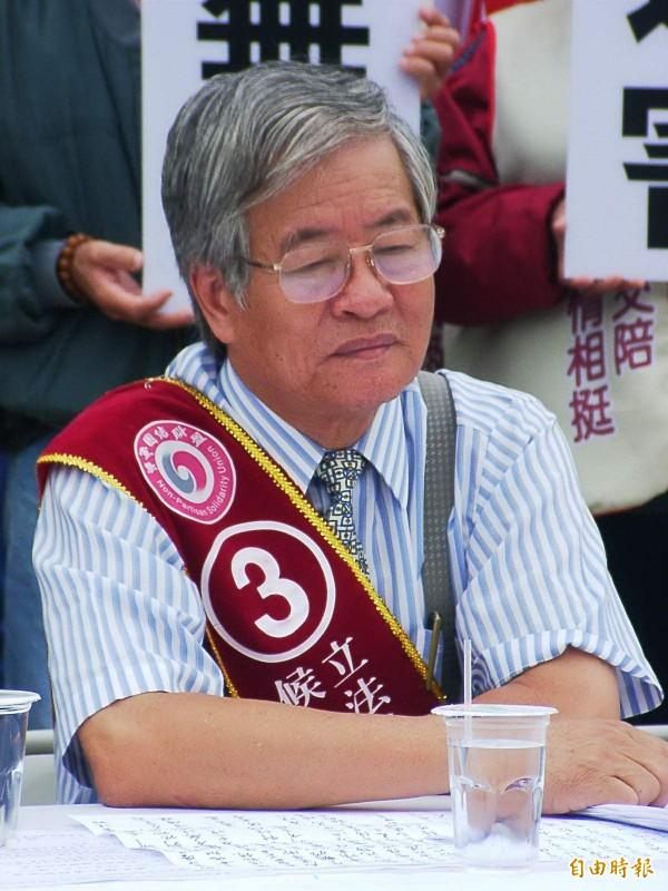 前立委何金松。圖為何金松參加2004年立委選舉時的畫面。(資料照)