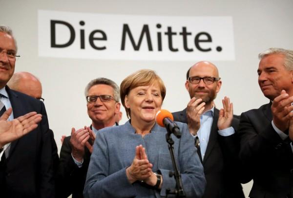 德執政黨獲32.9%選票 梅克爾確定4連霸!