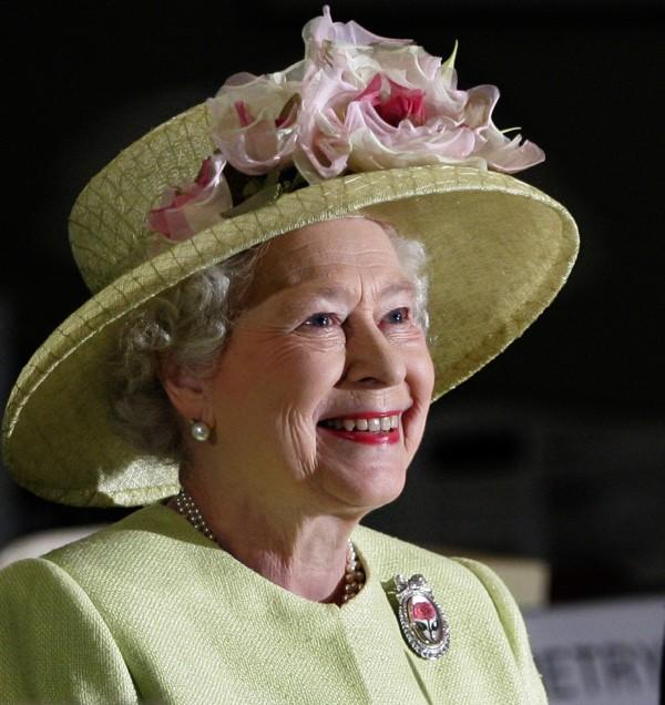 英國女王伊莉莎白二世今(16)日批准英國脫歐法案,正式授權英國首相梅伊啟動脫歐談判。(美聯社)
