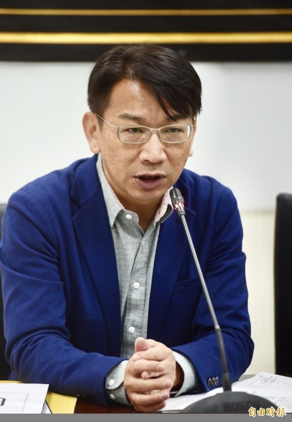 徐永明表示,如果苏是因上级压力而轻生,此案应改为因公殉职,还家属公道。(资料照)