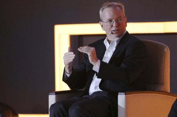 Google母公司Alphabet的執行董事長舒密特(Eric Schmidt)表示機器已可自我學習。(歐新社)