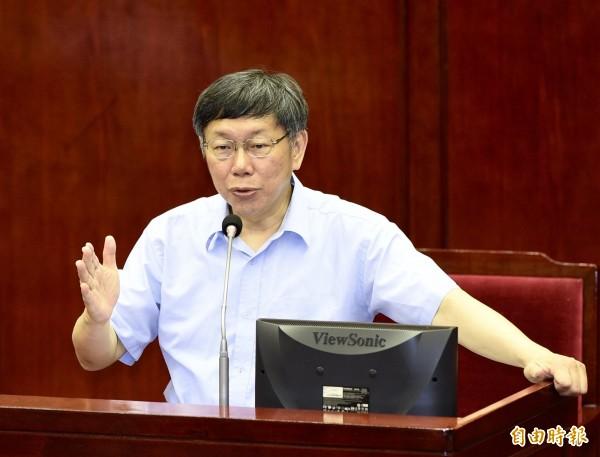 台北市長柯文哲16日赴市議會進行預算案報告及答詢。(記者羅沛德攝)