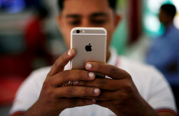 1名美國男子購入iPhone時,誤將ID設為中國,日前他發現iPhone竟然不能使用,一查他手機已經被中國鎖死。(路透)