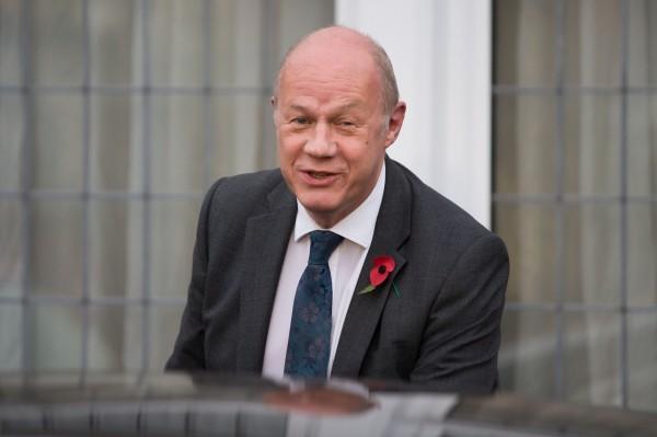 英國首相梅伊的副手、首席大臣葛林(圖)在國會辦公室的電腦被發現,內含有「極度」色情的內容。(法新社)