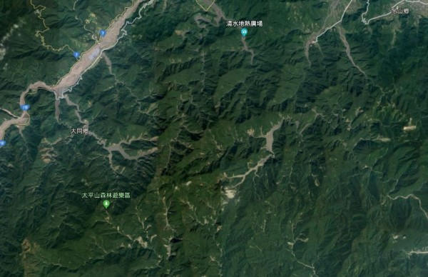 一對夫妻到宜蘭縣大同鄉攀爬古魯林道,從浪本下山途中,在廢棄大元國小附近迷路。(翻攝Google地圖)