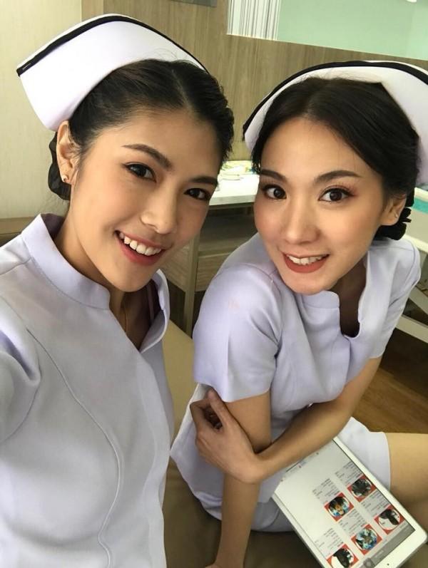 位在泰国清迈的「Ram Hospital」医院,里面的护理师都是正妹。(图撷取自脸书ชาลิสา กุลวงศ์)