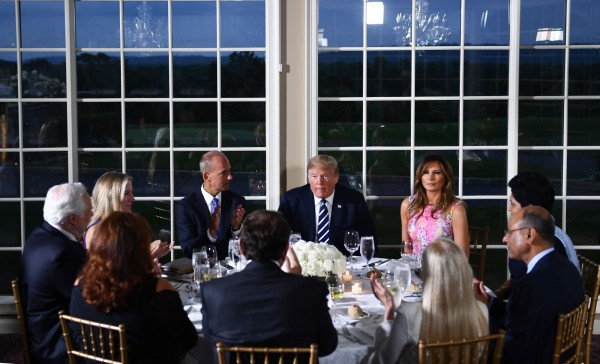 美國媒體報導,晚宴期間,川普花了大部分時間分享他自己的想法,尤其是關於中國的看法。(法新社資料照)