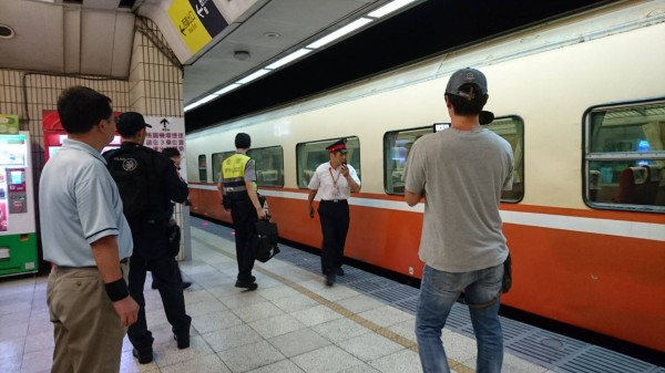 台北車站驚傳有旅客從月台跳下。(台鐵提供)