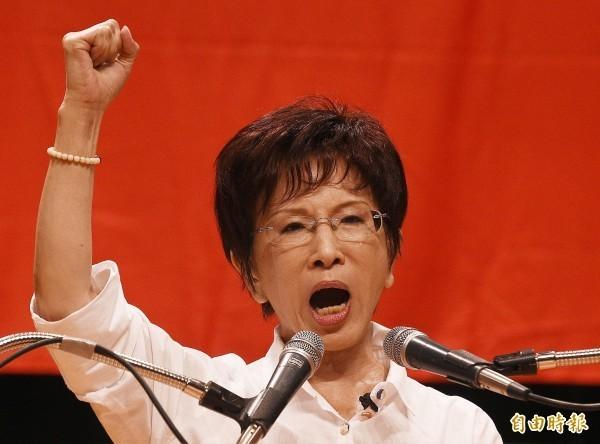 國民黨前主席洪秀柱先前擬參選2016總統,後來被臨時換掉,在當時成為很大的話題,事後國民黨也輸掉2016年總統。(資料照)