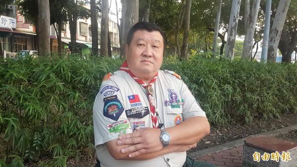 嘉義市退休巡佐辛懷陸,童軍資歷48年。(記者丁偉杰攝)