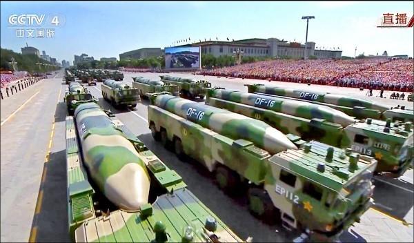 中國對台部署可對台灣本島精準打擊的東風16型彈道飛彈,升高對我軍事恫嚇。(中央社資料照)