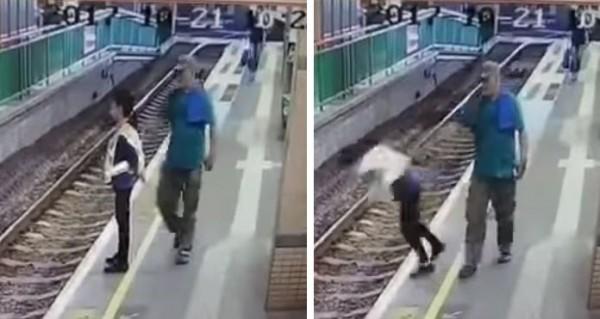 香港輕鐵「元朗總站」發生駭人推人落軌意外,1名南亞男子將清潔女工推下月台,隨後鎮定離去。(圖擷取自YouTube影片)