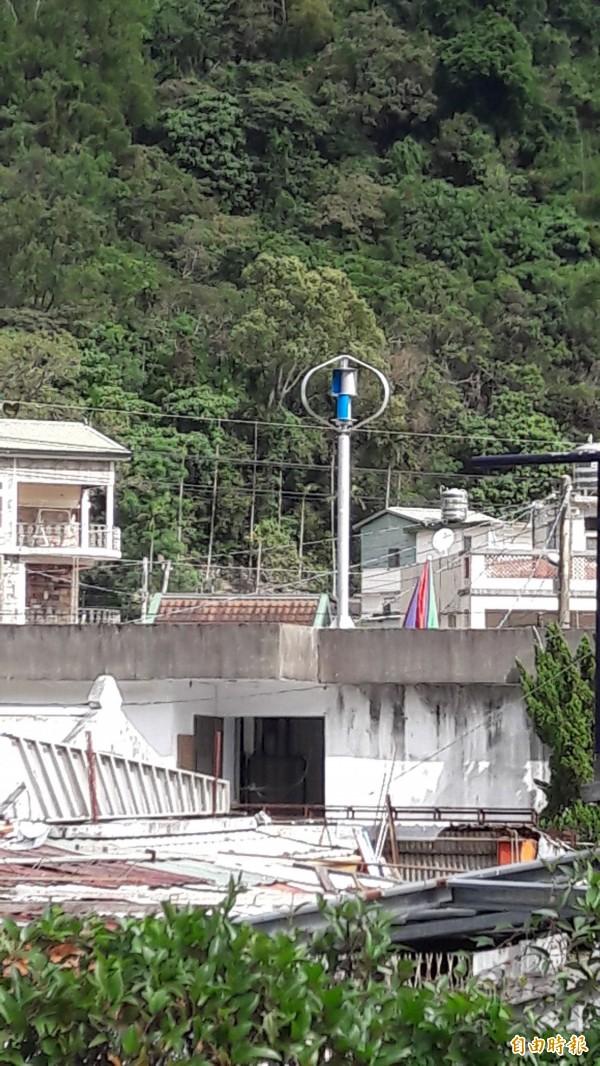 東興村風力發電設備。(記者黃明堂攝)