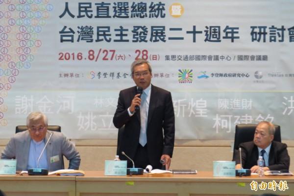 財信傳媒董事長謝金河透露,最近一名企業大老以私人名義捐5000萬給台北市政府。(資料照,記者陳鈺馥攝)