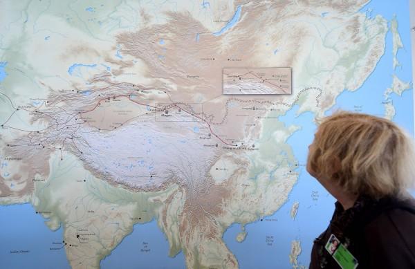 中國通過《測繪法》,禁止外國人參與製作中國地圖,藉此鞏固領土訴求。(法新社)