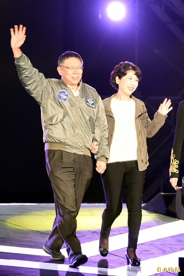 台北市長柯文哲(左)的妻子陳佩琪(右),認為媒體對其指控不實,要透過法律途徑解決問題。(資料照)