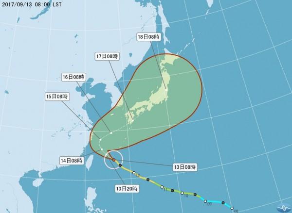 氣象局說,依照目前的路徑未符合發布陸上颱風警報的條件,14日上午在向偏北移動遠離台灣,明天北北基放颱風假的機率不高。(圖擷取自中央氣象局)