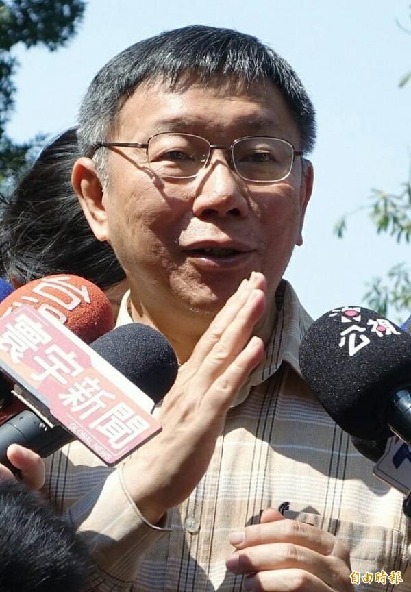 台北市長柯文哲3月26日出訪泰國時,語出驚人說「香港很無聊,就一個小島有什麼好看的」今上午聯訪仍否認失言。(記者廖振輝攝)