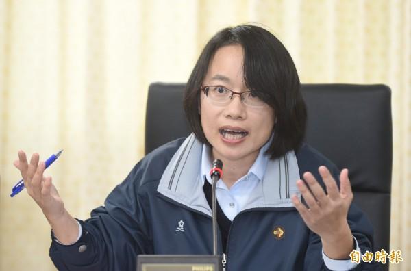 徐世勳在臉書PO出去年質詢吳音寧的影片。(資料照)