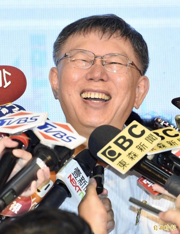 《美麗島電子報》民調顯示,柯文哲在2018台北市長選舉支持度暫居領先。(記者羅沛德攝)