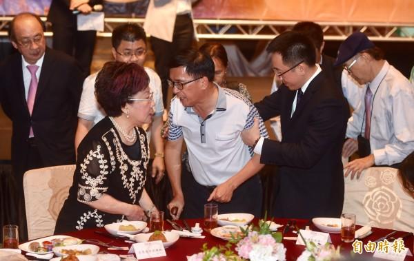 前總統陳水扁今晚出席凱達格蘭基金會12週年感恩募款餐會。(記者簡榮豐攝)
