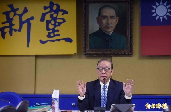 新黨主席郁慕明抨擊,總統一邊說「維持現狀」,閣揆卻一邊講「不分職位永遠是台獨政治工作者」,這種一搭一唱的雙簧,毫無誠信可言。(資料照,記者簡榮豐攝)