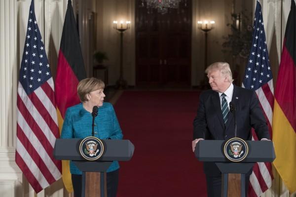 美國總統川普與德國總理梅克爾在今日舉行雙邊記者會。(歐新社)