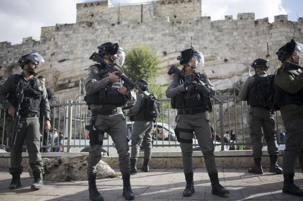 以色列軍方表示將在本月8日前,追加部署數個大隊兵力在約旦河西岸,當地現由以色列警方鎮壓巴勒斯坦人民。(美聯社)