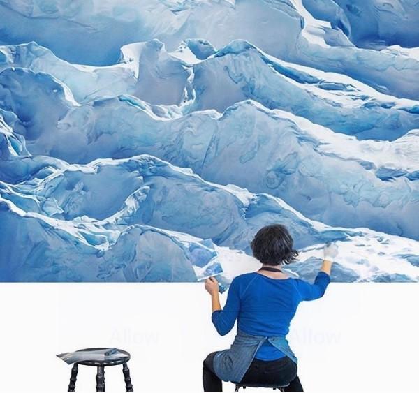 美國藝術家福爾曼(Zaria Forman)擅長粉彩創作,多年來她運用超現實手法,繪製冰川、冰層、冰山等畫作。(圖片擷取自Zaria Forman臉書)