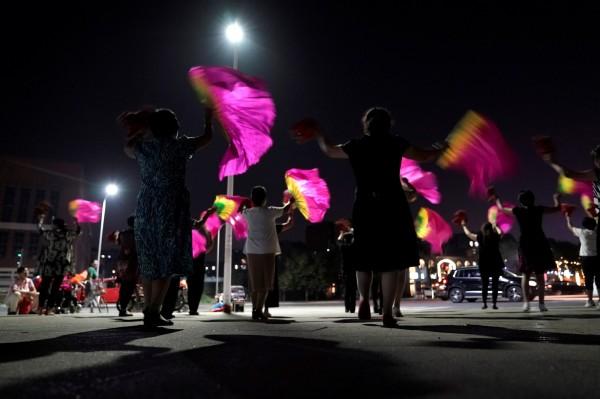 廣場舞在中國遍地開花,引發不少衝突。(路透)