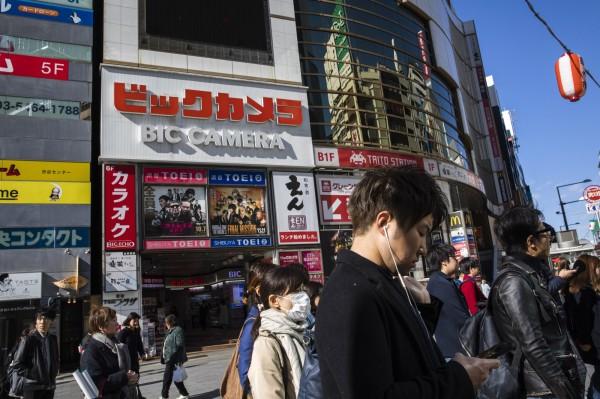 著名零售商店Bic Camera是不少遊客到東京的必定前往購物之地。(彭博)